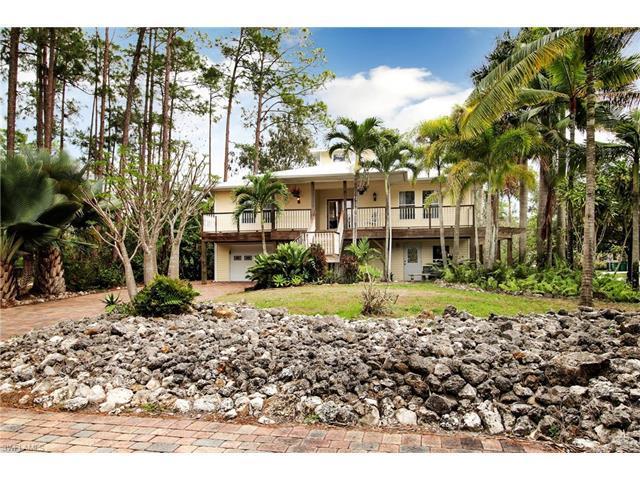 1560 Oakes Blvd, Naples, FL 34119 (MLS #217013105) :: The New Home Spot, Inc.