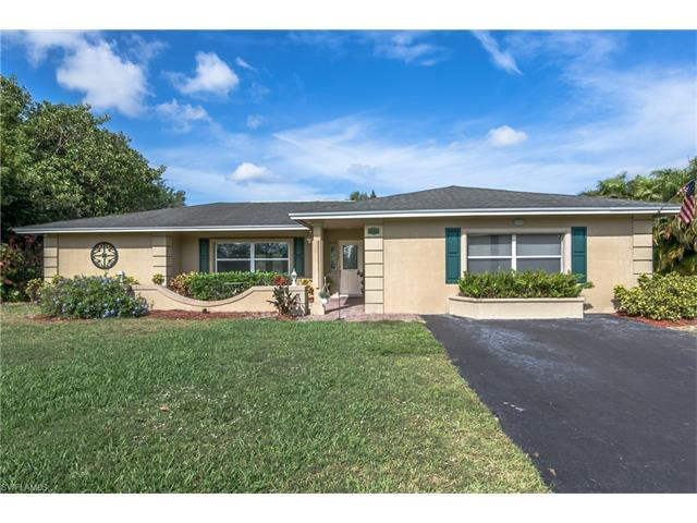 10353 Winterview Dr, Naples, FL 34109 (#217021856) :: Homes and Land Brokers, Inc