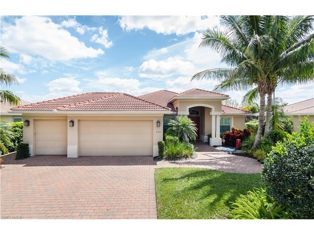 323 Saddlebrook Ln, Naples, FL 34110 (MLS #217022870) :: The New Home Spot, Inc.