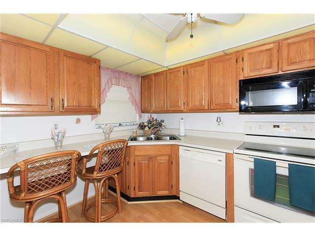 1 High Point Cir W #505, Naples, FL 34103 (MLS #217023129) :: The New Home Spot, Inc.
