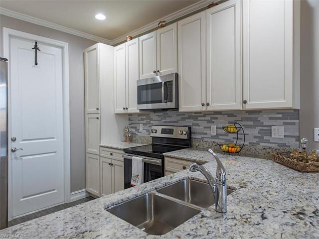 7887 Bristol Cir, Naples, FL 34120 (MLS #217023685) :: The New Home Spot, Inc.