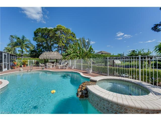 27268 Jolly Roger Ln, Bonita Springs, FL 34135 (MLS #217024010) :: The New Home Spot, Inc.