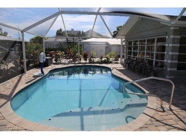8339 Estero Blvd, Fort Myers Beach, FL 33931 (MLS #217024156) :: The New Home Spot, Inc.