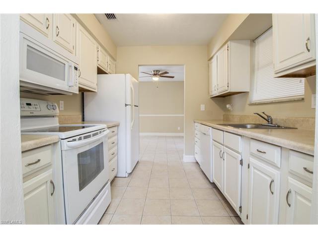 11615 Mckenna Ave, Bonita Springs, FL 34135 (MLS #217026733) :: The New Home Spot, Inc.