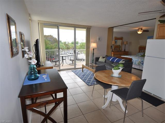 7300 Estero Blvd #208, Fort Myers Beach, FL 33931 (#217028777) :: Homes and Land Brokers, Inc