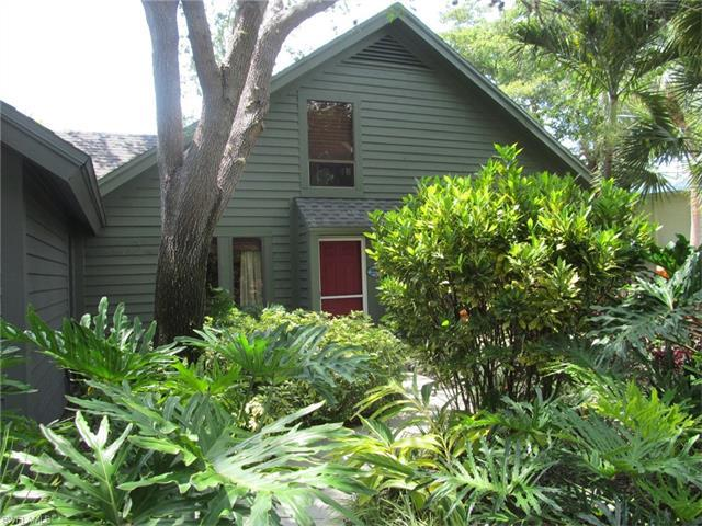 1253 Solana Rd G-5, Naples, FL 34103 (#217033748) :: Homes and Land Brokers, Inc
