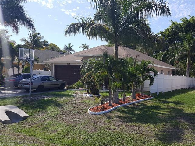 805 109th Ave N, Naples, FL 34108 (MLS #217039320) :: The New Home Spot, Inc.
