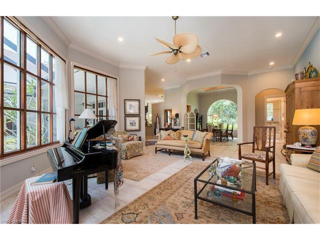 1035 Barcarmil Way, Naples, FL 34110 (#217042059) :: Homes and Land Brokers, Inc