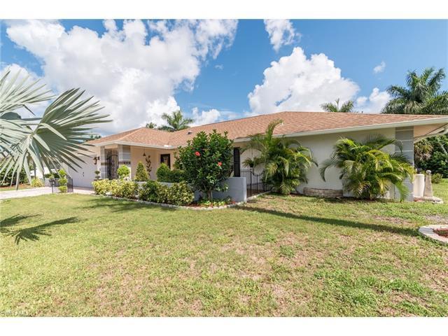 373 Saint Andrews Blvd, Naples, FL 34113 (#217042418) :: Homes and Land Brokers, Inc