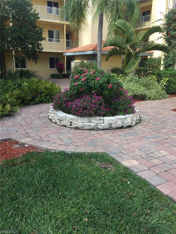 1001 Foxfire Lane Ln #107, Naples, FL 34104 (MLS #218010690) :: The New Home Spot, Inc.