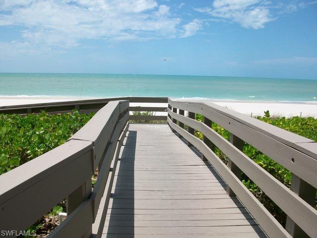 9577 Gulfshore Dr #702, Naples, FL 34108 (MLS #218012193) :: The New Home Spot, Inc.