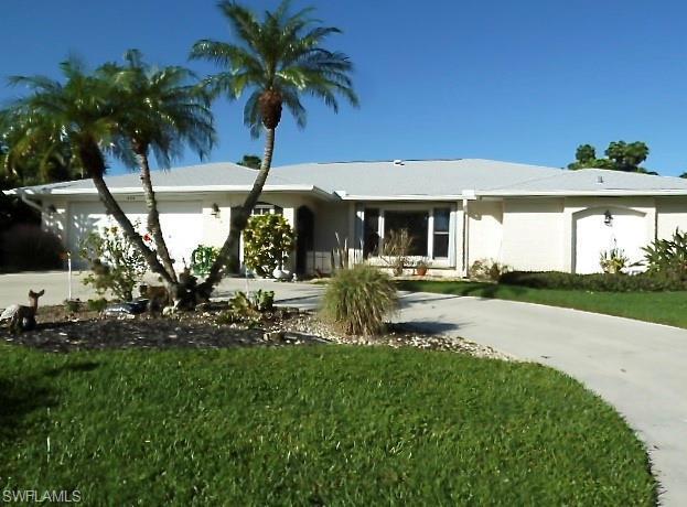 444 Forest Hills Blvd, Naples, FL 34113 (MLS #218067542) :: The New Home Spot, Inc.