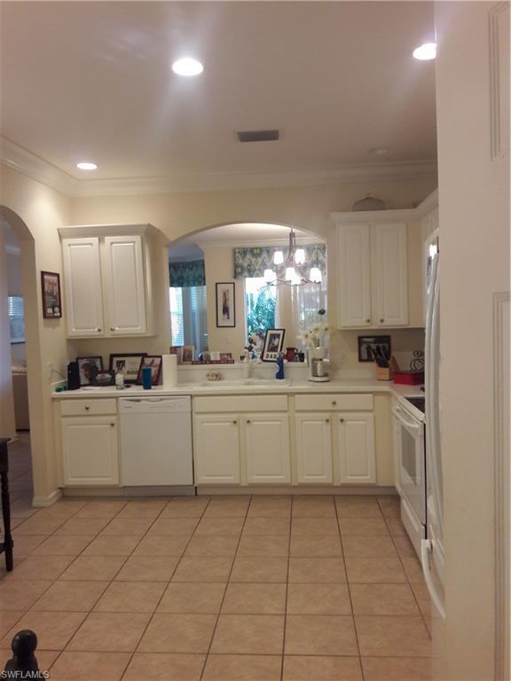 9723 Heatherstone Lake Ct E #5, Estero, FL 33928 (MLS #219000579) :: Clausen Properties, Inc.