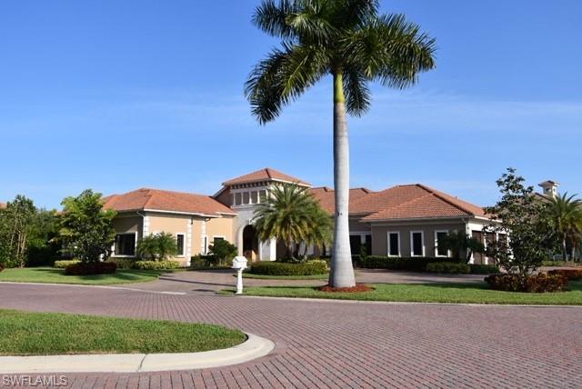 628 Venezia Grande Dr, Naples, FL 34102 (MLS #219025783) :: RE/MAX DREAM