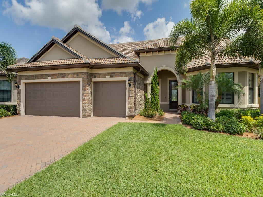 6117 Victory Dr - Photo 1