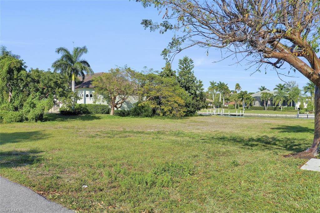 1011 Inlet Dr - Photo 1