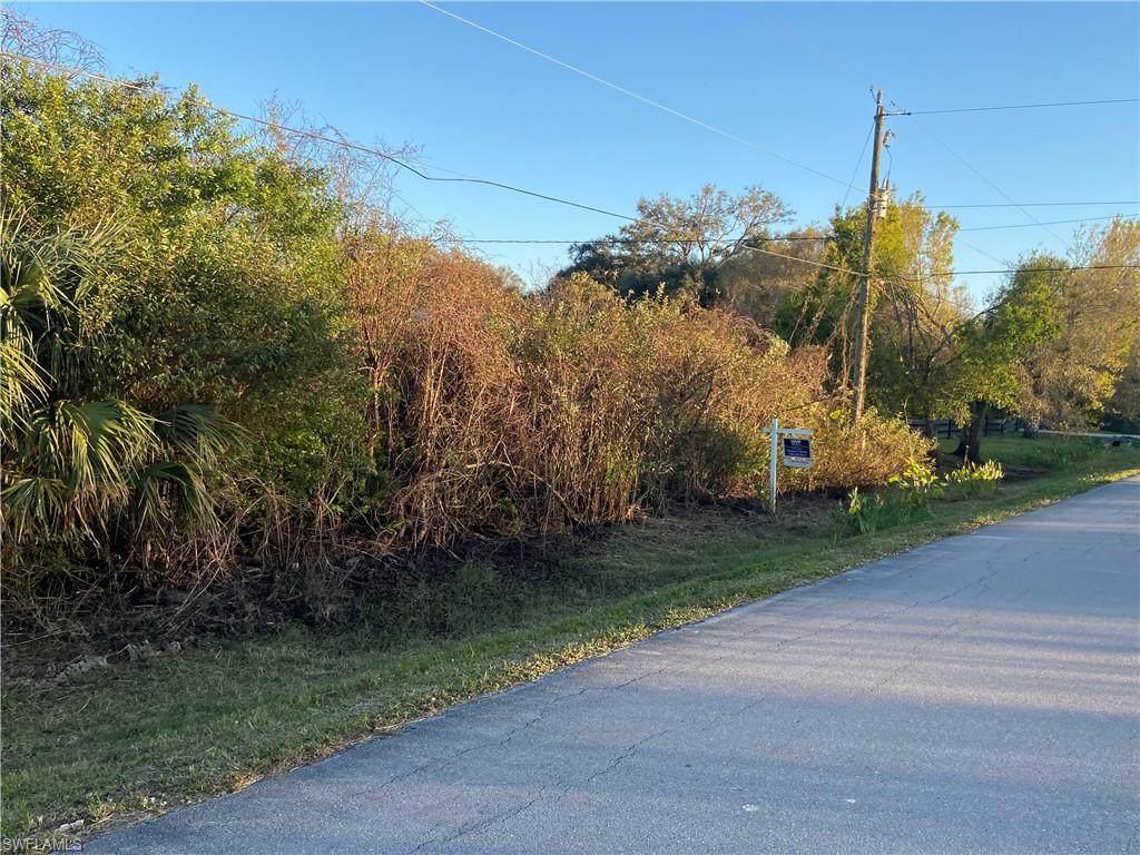 18TH ST NE Address Not Published - Photo 1