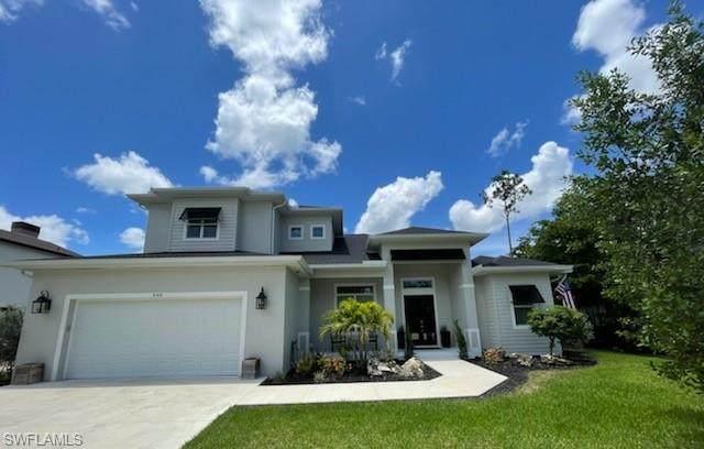 540 Carpenter Ct, Naples, FL 34110 (#221050837) :: The Dellatorè Real Estate Group