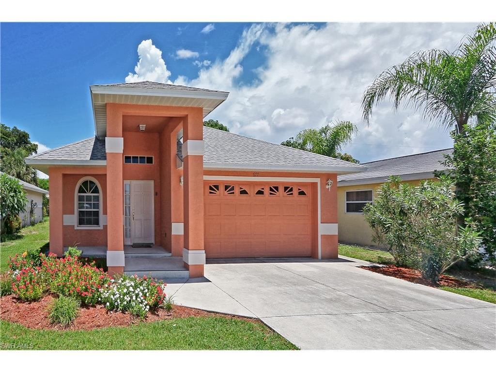 677 97TH Ave N, Naples, FL 34108 (#214049164) :: Homes and Land Brokers, Inc