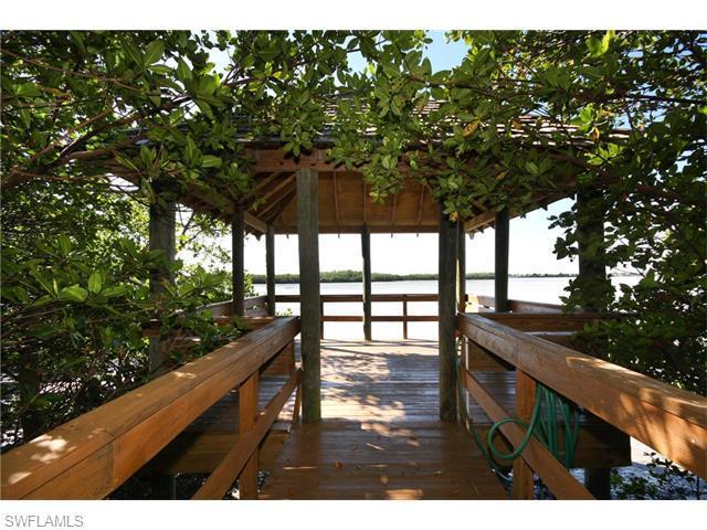 201 Vintage Bay Dr B-10, Marco Island, FL 34145 (MLS #215031328) :: The New Home Spot, Inc.