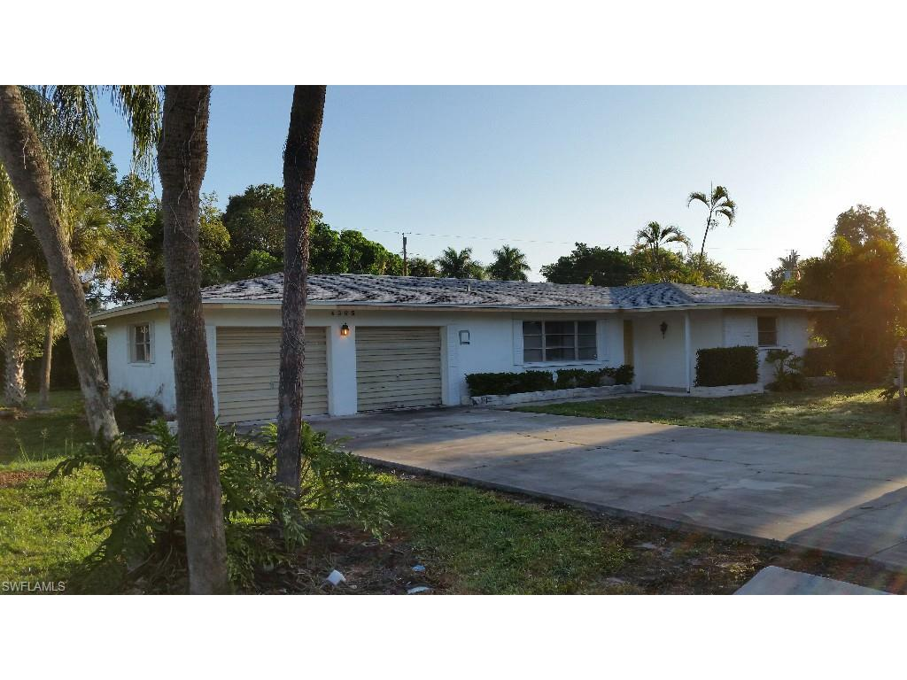 4365 23rd Pl SW, Naples, FL 34116 (#215047965) :: Homes and Land Brokers, Inc