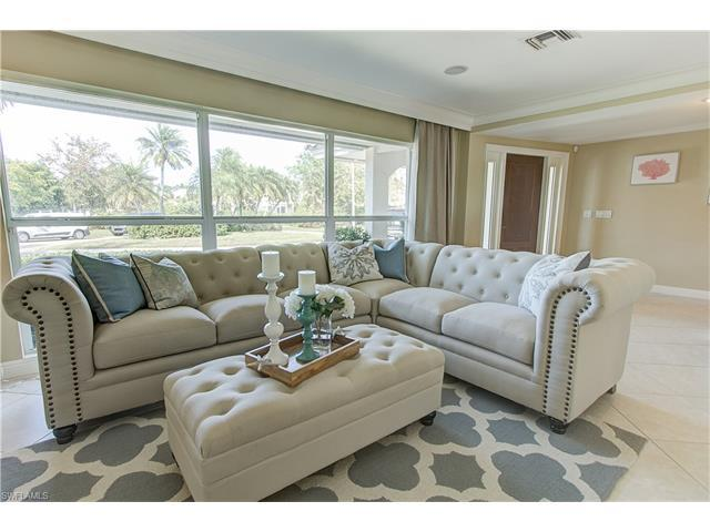 600 Fountainhead Ln, Naples, FL 34103 (#215060766) :: Homes and Land Brokers, Inc