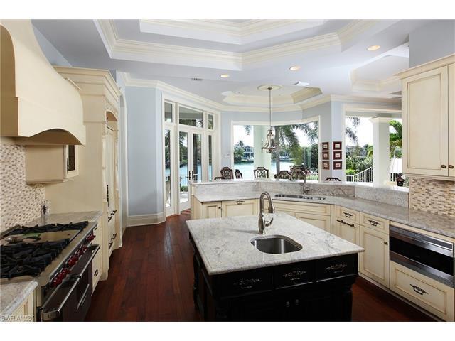240 Cuddy Ct, Naples, FL 34103 (MLS #216008267) :: The New Home Spot, Inc.