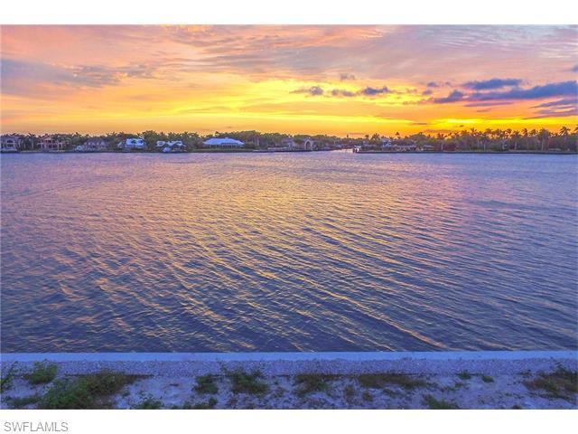 2280 Kingfish Rd, Naples, FL 34102 (#216022578) :: Homes and Land Brokers, Inc