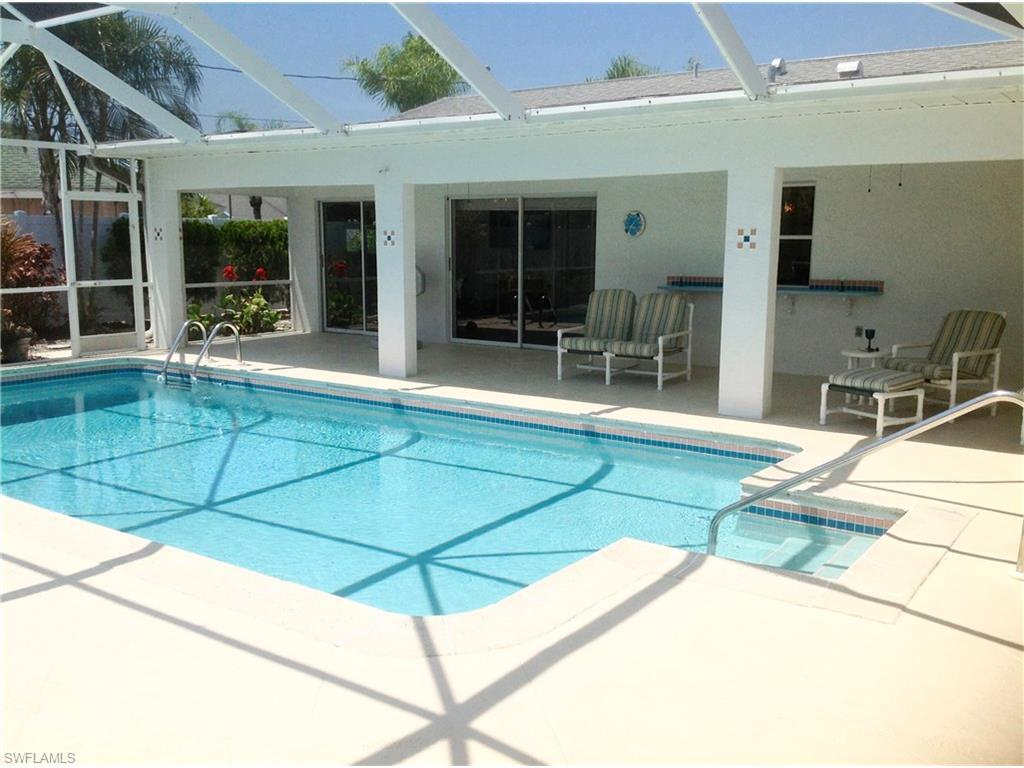 4215 SW 7th Ave, Cape Coral, FL 33914 (MLS #216023954) :: The New Home Spot, Inc.