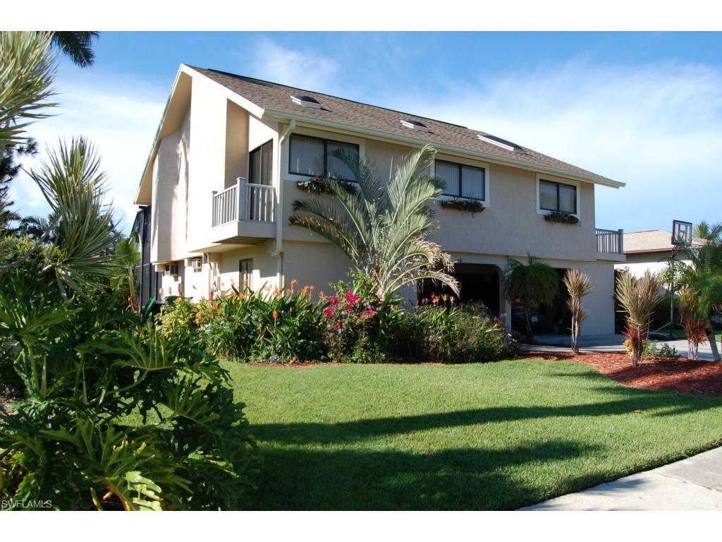 1641 E Almeria Ct, Marco Island, FL 34145 (MLS #216026050) :: The New Home Spot, Inc.