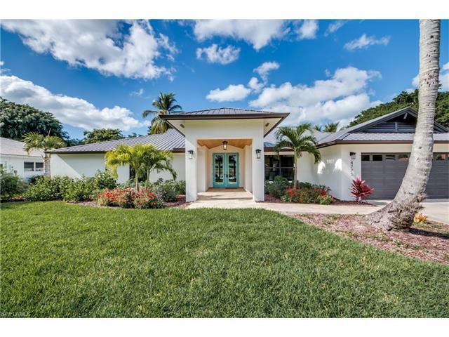 4775 Crayton Rd, Naples, FL 34103 (MLS #216032827) :: The New Home Spot, Inc.