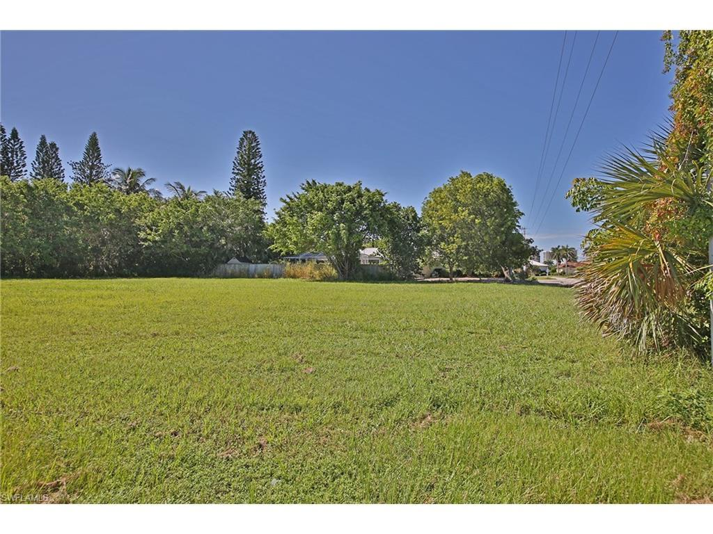 411 Elk Cir, Marco Island, FL 34145 (MLS #216047938) :: The New Home Spot, Inc.