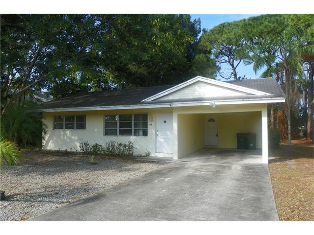 715 104th Ave N, Naples, FL 34108 (#216048655) :: Homes and Land Brokers, Inc