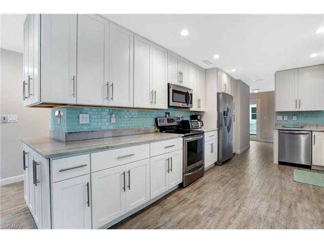 44 Fairview Blvd, Fort Myers Beach, FL 33931 (MLS #216052369) :: The New Home Spot, Inc.
