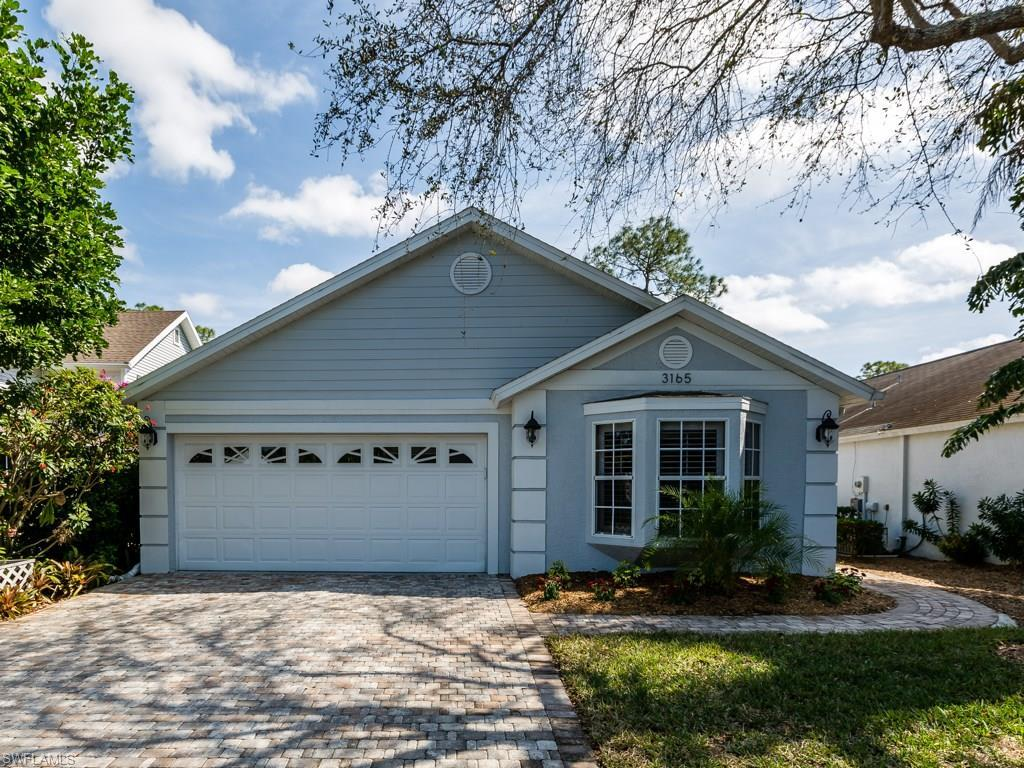 3165 Carriage Cir, Naples, FL 34105 (#216056056) :: Homes and Land Brokers, Inc