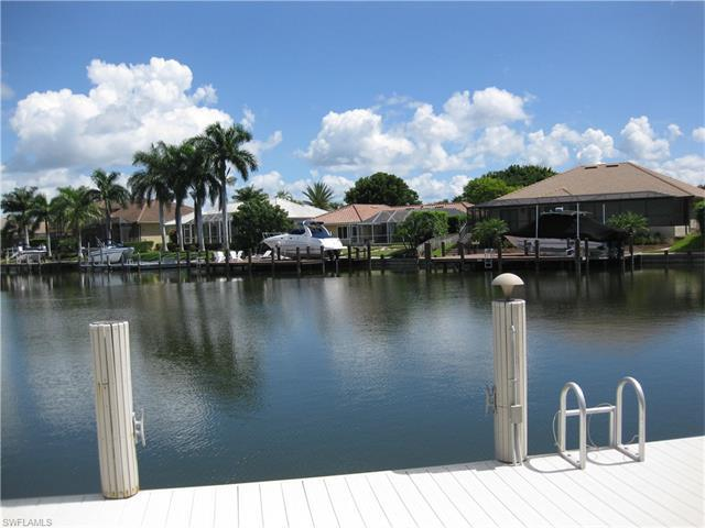 454 Kendall Dr, Marco Island, FL 34145 (MLS #216058673) :: The New Home Spot, Inc.