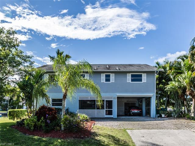 584 Coconut Ave, Goodland, FL 34140 (MLS #216058963) :: The New Home Spot, Inc.