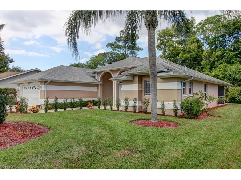 11154 Palmetto Ridge Dr, Naples, FL 34110 (MLS #216061295) :: The New Home Spot, Inc.