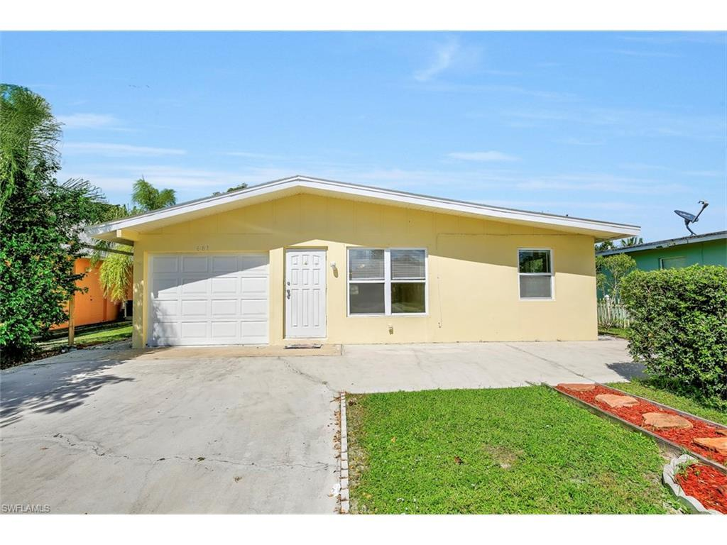 681 97th Ave N, Naples, FL 34108 (MLS #216061647) :: The New Home Spot, Inc.