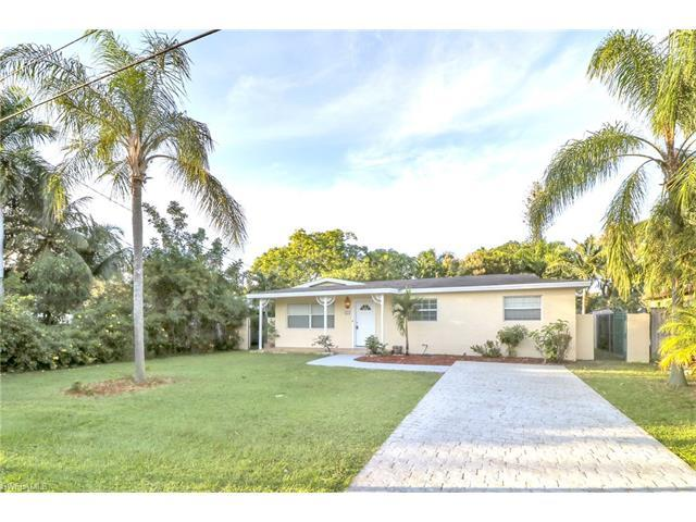 1229 Rordon Ave, Naples, FL 34103 (#216064515) :: Homes and Land Brokers, Inc