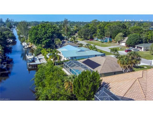 2552 Longboat Dr, Naples, FL 34104 (#216072546) :: Homes and Land Brokers, Inc