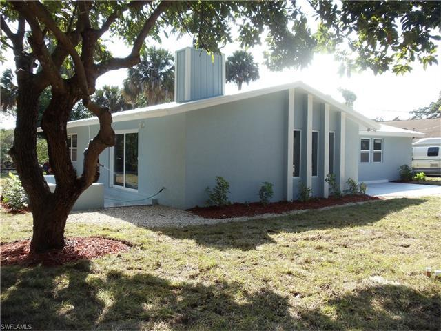 3324 Collee Ct, Naples, FL 34112 (#217008266) :: Homes and Land Brokers, Inc