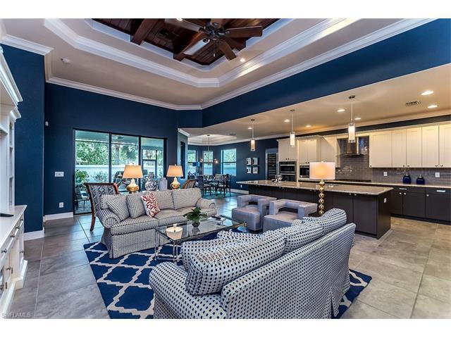 10055 Florence Cir, Naples, FL 34119 (#217031409) :: Homes and Land Brokers, Inc