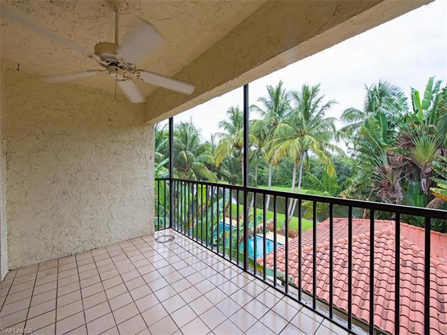 700 Valley Stream Dr #303, Naples, FL 34113 (#217041908) :: Homes and Land Brokers, Inc