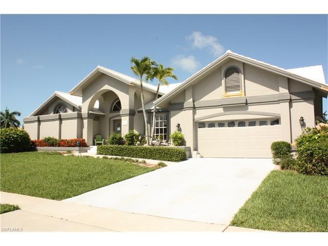 1260 Mimosa Ct, Marco Island, FL 34145 (MLS #217042038) :: The New Home Spot, Inc.