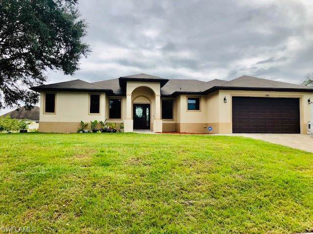 3319 22nd St SW, Lehigh Acres, FL 33976 (MLS #219075448) :: The Naples Beach And Homes Team/MVP Realty