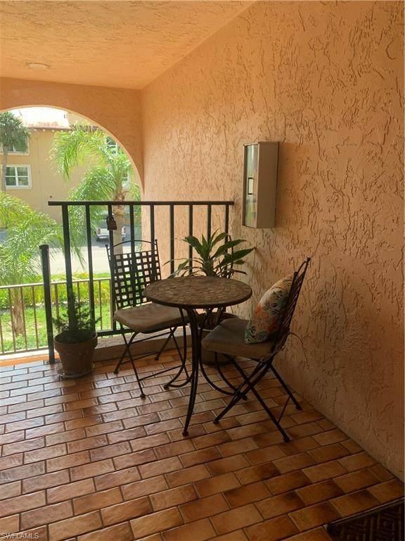 828 Wiggins Pass Rd #10, Naples, FL 34110 (#220009410) :: Southwest Florida R.E. Group Inc