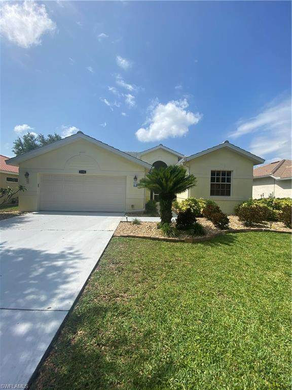 2186 Morning Sun Ln, Naples, FL 34119 (#220019907) :: Southwest Florida R.E. Group Inc