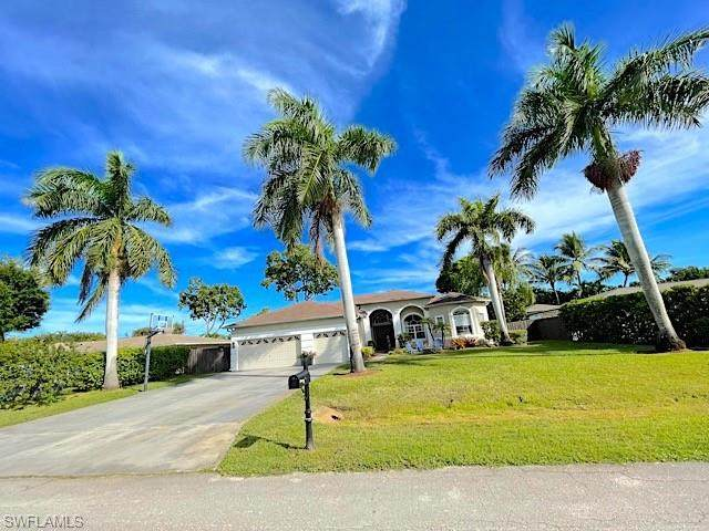 65 Wickliffe Dr, Naples, FL 34110 (#221069458) :: Equity Realty