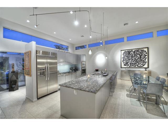 561 Palm Cir E, Naples, FL 34102 (#215062101) :: Homes and Land Brokers, Inc